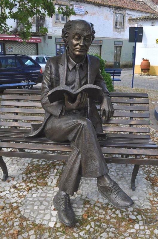 Letterkundige Saramago in zijn geboorteplaats Sarango