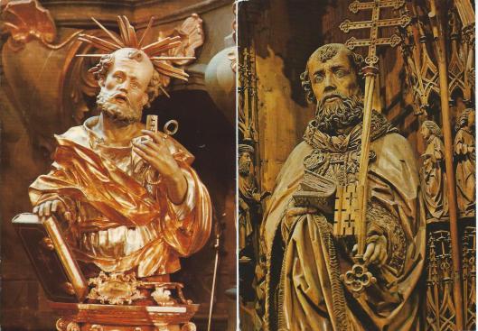 Links: r.k.kerk Mittenwald met beeld van de H.Petrus. Rechts: H.Petrus, detail uit het Kefermarkter altaar. Onbekende meester, 1491.