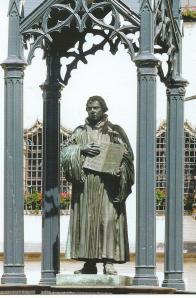 Lutherdenkmal auf dem Marktplatz zu Wittenberg (foto Cornelia Kirsch)