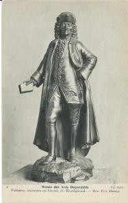 Beeld van de Franse schrijver en filosoof Voltaire