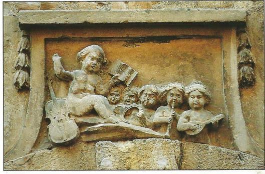 Pézenas, Hérault, Frankrijk: musicerende engelen