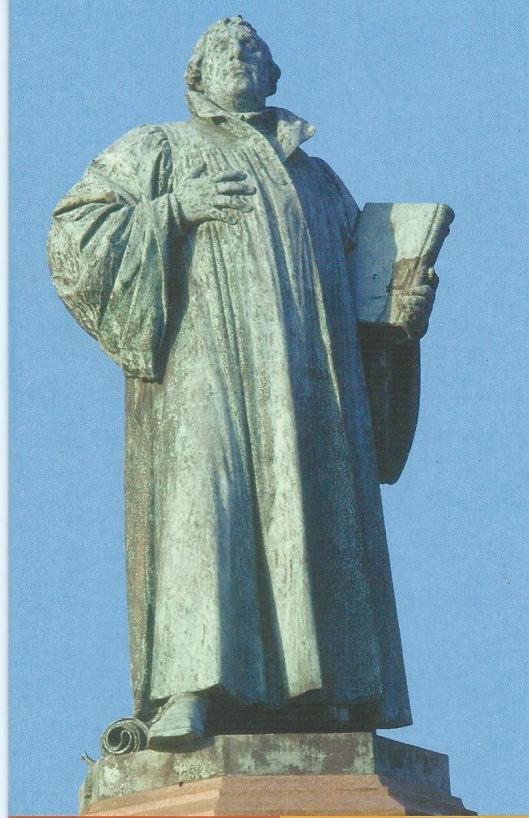 Beeld van Luther in Magdeburg