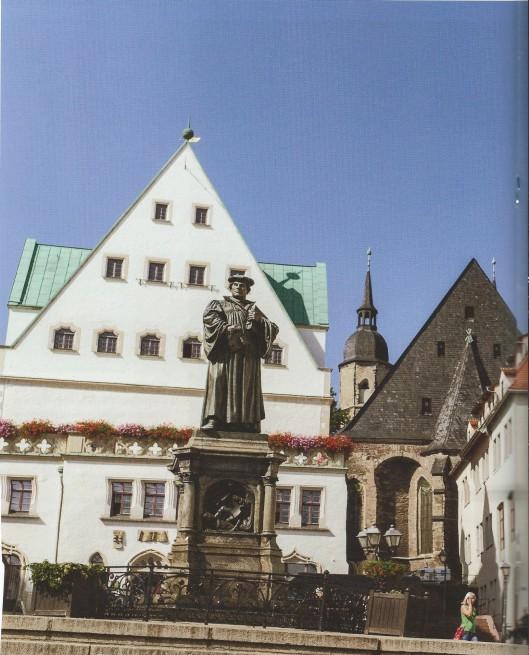 Standbeeld van Luther in Eisleben