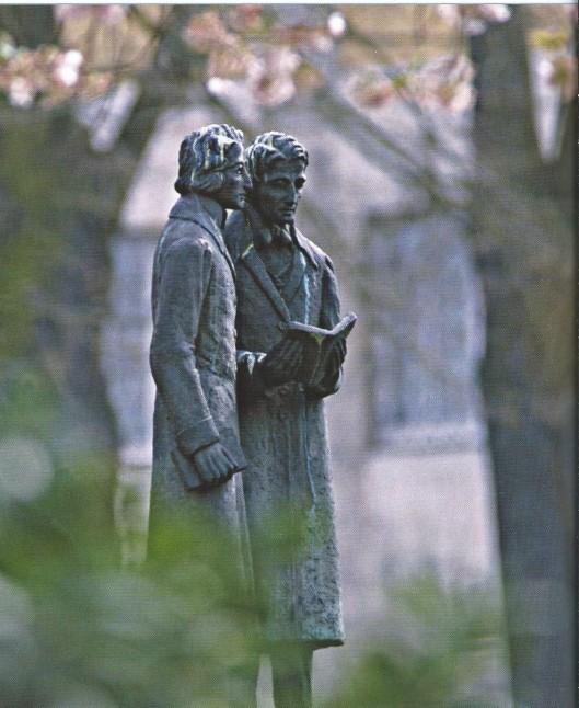 Standbeeld van de gebroeders Grimm in Kassel, D.