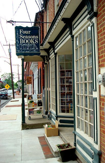 Four Seasons Books, bookshop in Shepherdstown, West Virginia (Amanda Patterson)
