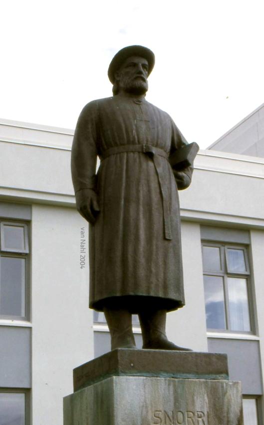 Standbeeld van de IJslandse geleerde, politicus en dichter Snorri Sturlason in Reykholt (foto Jan van Nahl)