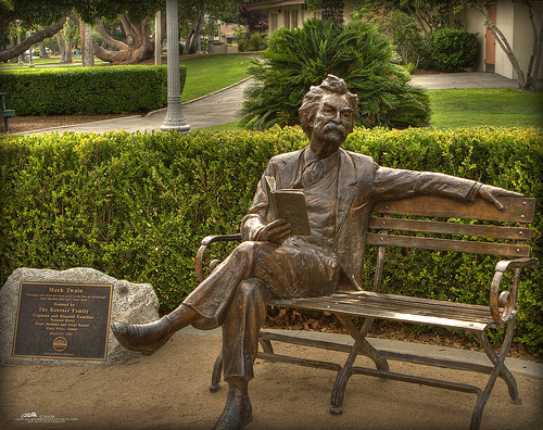 Mark Twain sculpture in bronze by Jan Tribe, placed in several places in the USA, e.g. Elm School Houston, Texas, Berkeley, Fertom Maeket Place San Diego, Tronity Park Forth Worth, Calveras, Fairfield, Newark (Ohio), Washington State Library, Monrovia Public Library (California) etc.