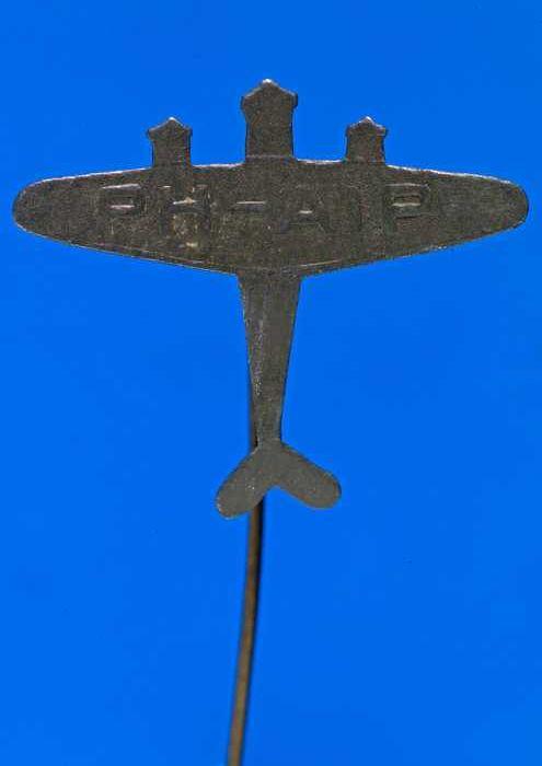 Draagspeld met Fokker XVIII vliegtuig de Pelikaan PH-AIP (1933)