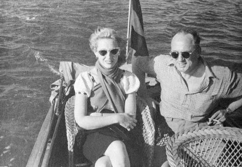 Mogelijk de laatste foto van Margot Smirnoff met Iwan, uit mei 1947. 3 juli overleed zij.