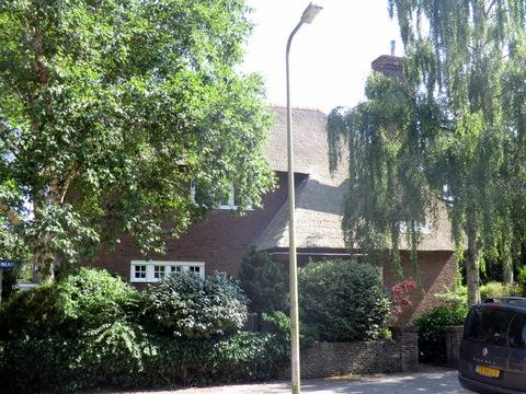 Molenlaan 4 in Heemstede, door Smirnoff naar de Pelikaan vernoemd