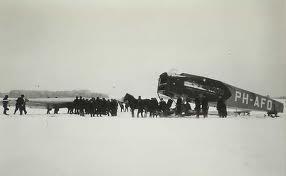 Op 19 februari 1931 maakte KLM Fokker FVIIb PH-AFO 'Ooievaar' op weg naar Bandoeng een noodlanding in Popelin, Tsjechoslowakije. Het vliegtuig werd na reparatie in Praag door Smirnoff teruggevlogen naar Nederland