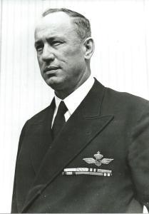 Iwan Smirnoff in KLM uniform in de bloei van zijn leven