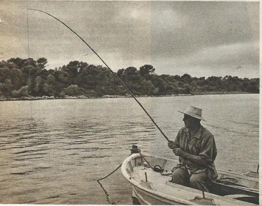 Smirnoff was een hartstochtelijk visser en maakte daar in het water van de Cala Leonga op Mallorca veel gebruik van