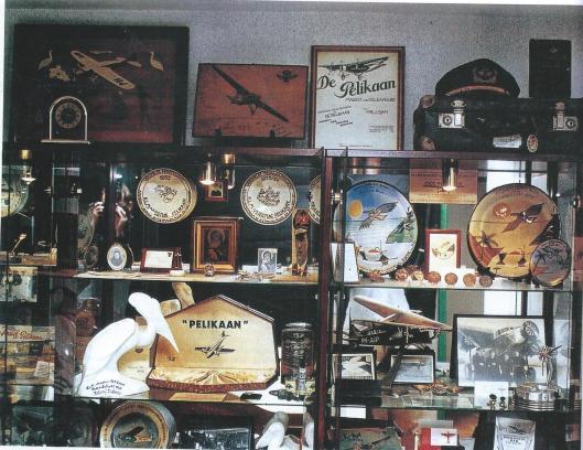 Richard Hopman uit Schoorl verzamelde talrijke tastbare herinneringen aan de legendarische vlucht van het Fokker F18 vliegtuig, genaamd de Pelikaan,