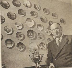Smirnoff voor zijn verzameling wandborden afkomstig van overal in de wereld