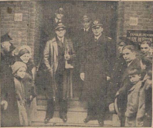 Smirnoff werd 10-1-1934 in zijn Amsterdamse pension opgehaald om een koninklijke ridderorde te worden uitgereikt.