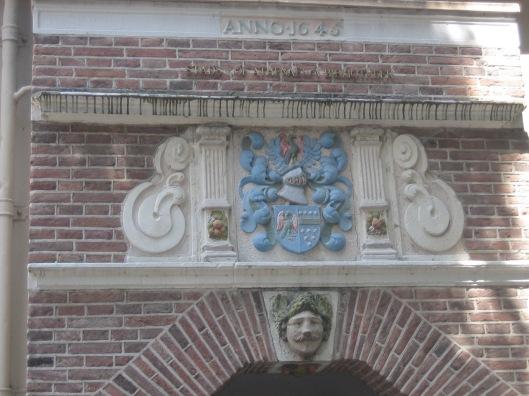 Toegamgspoort Atheneum- ofwel Stadsbibliotheek en Stadarchief aan 't Klooster in Deventer