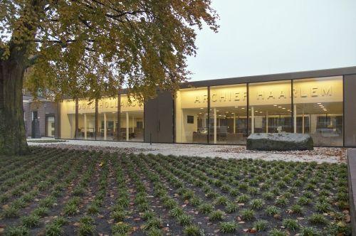 Het in 2014 vernieuwde Noord-Hollands Archief, locatie Kleine Houtweg 18 in Haarlem
