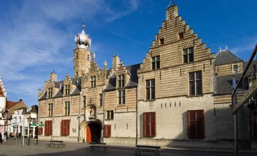 Museum en Archief Bergen op Zoom in het historische Markiezenhof. Het Historisch Centrum herbergt archieven van de gemeenten Bergen op Zoom, Steenbergen en Woensdrecht + waterschap Scheldekwartier