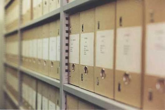 Ook het archief van de gemeente Bolsward is verhuisd naar het gemeentehuis van Franekeradeel