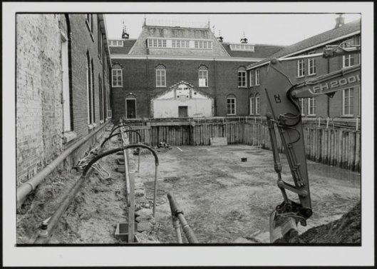 Bouw van kelderdepot (archiefbewaarplaats), stadsarchief Breda, 1998 (Europeana)
