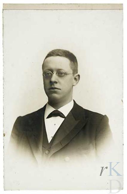 Jan Willem Enschede (1865-1926), archivaris en bibliothecaris te Haarlem van 1896 tot 1902 (foto RKD)