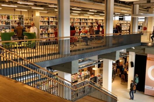 Bibliotheek, archief, librije-collectie en drukkerswerkplaats in Goudaverenigd in één gebouw: een voormalige chocoladefabriek