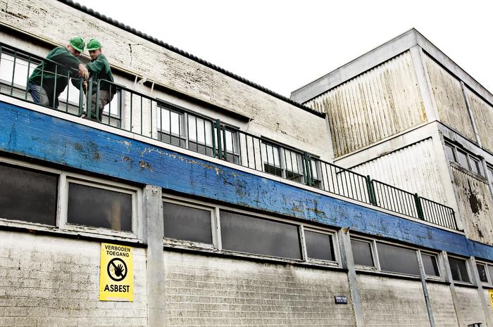 In 2008 is de voormalige omstreden asbestfabriek 'Asbestonia' in Harderwijk gesloopt (foto Dick Vos)