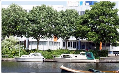 Het huidige gebouw Touchdown Center waar men kantoorruimte kan huren. Na verhuizing van het Zilveren Kruis naar Oostpoort in Haarlem kwam het gebouw in 1997 leeg te staan.