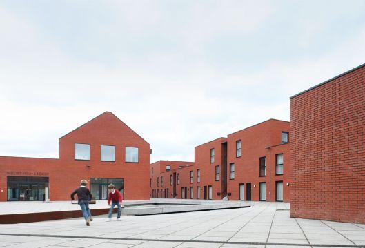 Stedelijk centrum Ieper dat het stadsarchief en de stadsbibliotheek herbergt