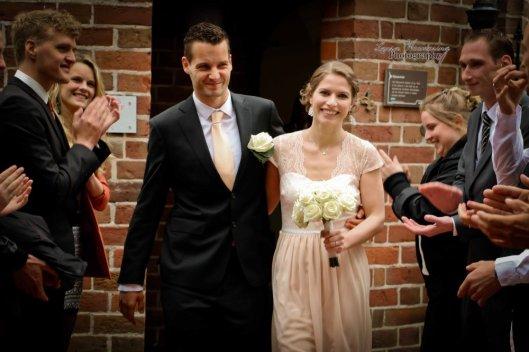 Zoals uit deze foto blijkt kan in het Drents Archief ook getrouwd worden (Laura Weemering Photography).