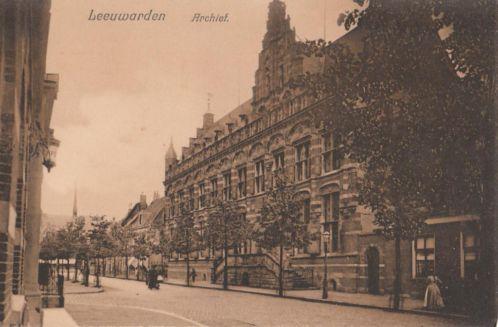 Archief in Leeuwarden op een ansichtkaart uit circa 1925