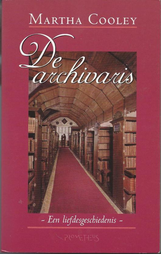 In 1998 debuteerde de New Yorkse schrijfster en journaliste Martha Cooley met 'The Archivist'. Deze roman werd meteen een bestseller en verscheen nog in hetzelfde jaar in een Nederlandse vertaling bij Prometheus onder de titel 'De Archivaris; een liefdesgeschiedenis'.