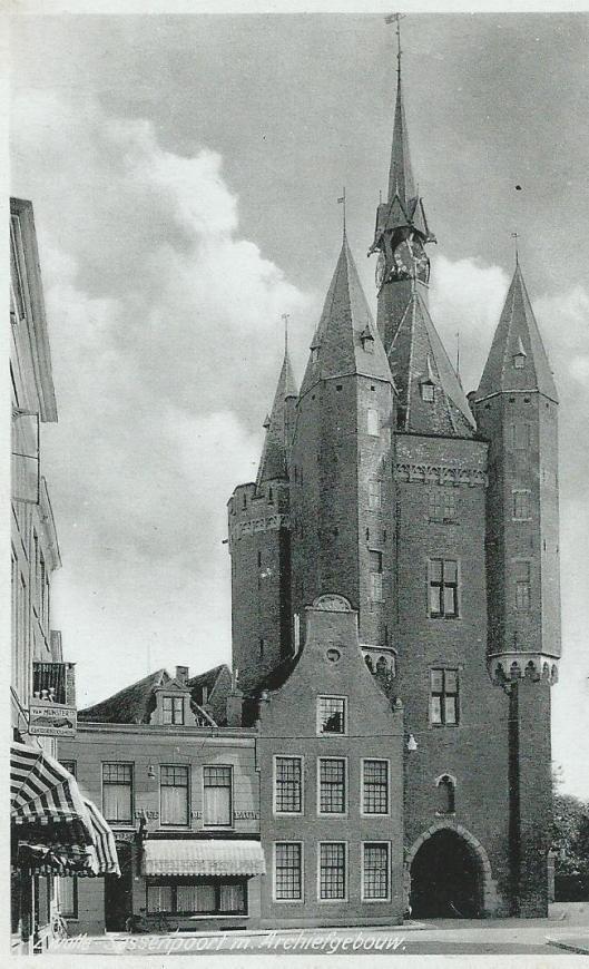 Zwolle: Sassenpoort in gebruik als archiefgebouw