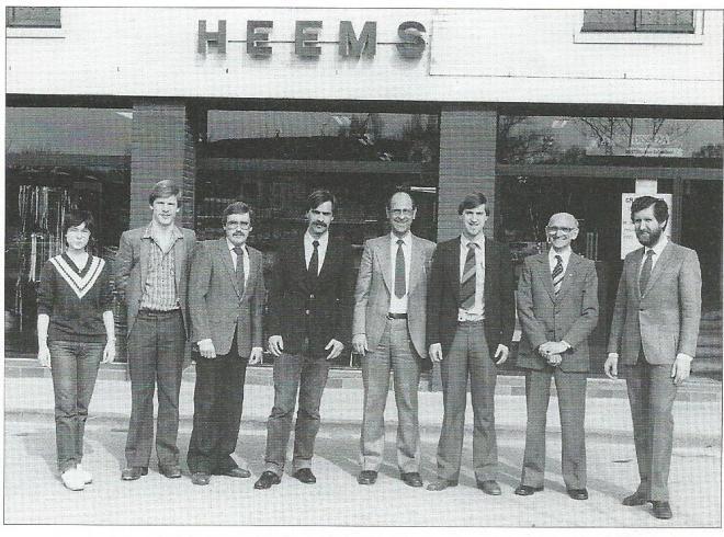 Foto uit 1982 gemaakt ter gelegenheid van het 160 jarig bestaan van Heems met van links naar rechts: Gerda van Zijl, Rob Windt, Herman Assendelft, Jos Heems, Piet Heems, Frans Heems, Aad Moring en Carel Nagtegaal.