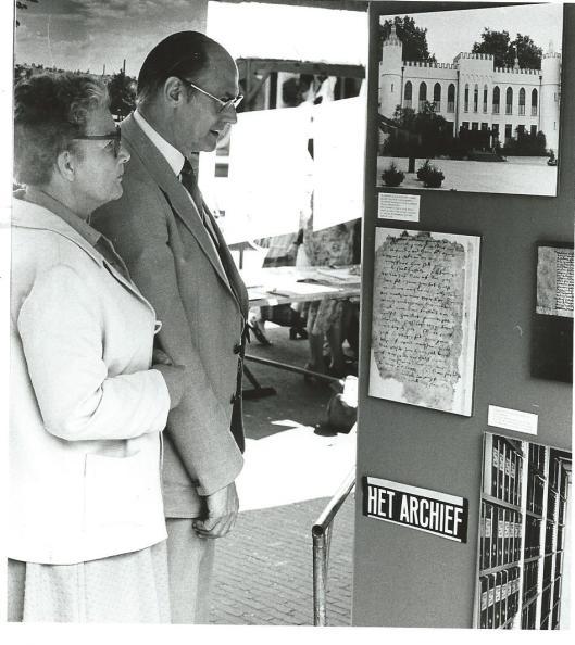 Een tentoonstelling in het stadhuis van Tilburg rond carnaval in 1980 was georganiseerd door het gemeentearchief van de 'schoonste stad van het land'.