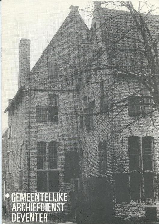 Voorzijde oude folder van gemeentelijke archiefdienst Deventer