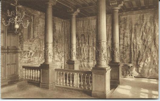 Oude prentbriefkaart van archievenzaal in kasteel Gaasbeek nabij Brussel