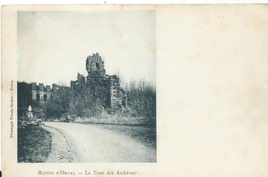 Ruïne van abdij Orval met archieftoren