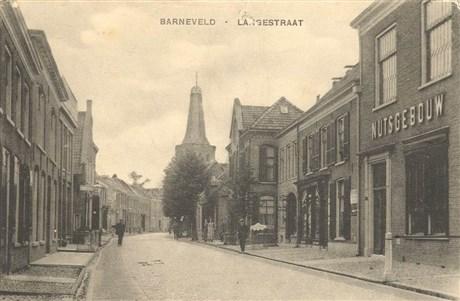 Vm. nutsgebouw in de Langestraat te Barneveld