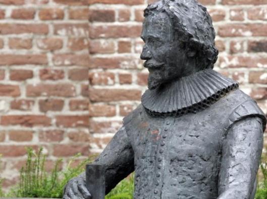 Door toedoen van het Nut, departement Groede, is in 1829 een standbeeld opgericht, gewijd aan de Zeeuwse dichter Jacob Cats