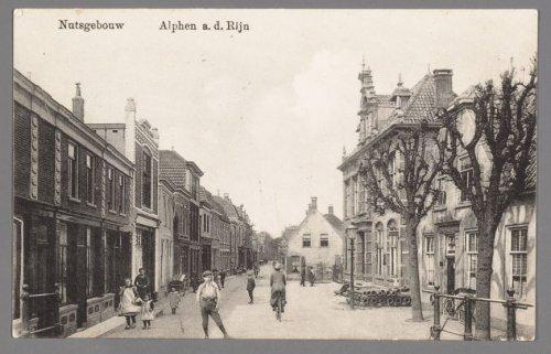 Nutsgebouw met bibliotheek in Alphen a.d. Rijn