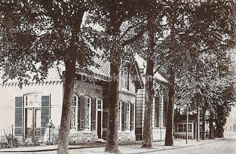 Nutsgebouw in Vorden. Rond 1970 verhuisd is hier toen de openbare bibliotheek gehuisvest.
