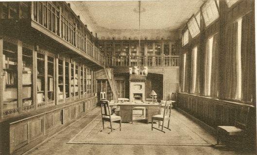 Directeurskamer annex bibliotheek van het hoofkantoor Nutsspaarbank Rotterdam aan de Botersloot.