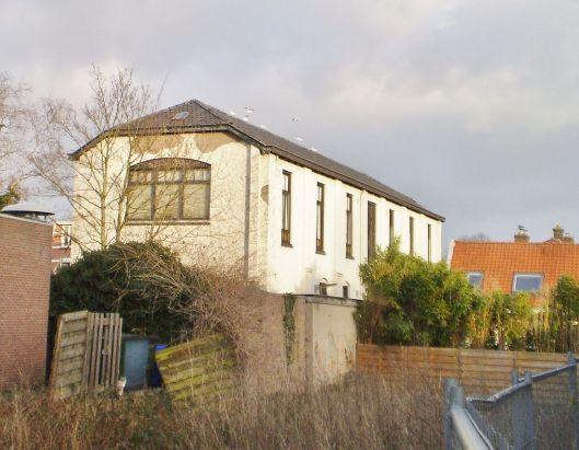 Vm. nutsbibliotheek in Baarn, tegenwoordig gemeentelijk monument. Burgemeester Penstraat 4-6. Het Nut in Baarn is gesticht in 1876 met sinds 1905 een bibliotheek die in 1975 is opgeheven, waarna het gebouw in eigendom kwam van de gemeente.