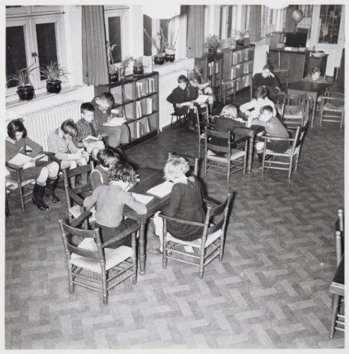 Kinderleeszaal nutsbibliotheek Wijdesteeg