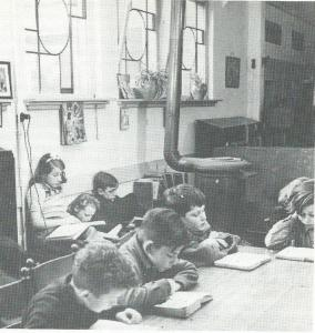 De Wijde Steeg; bibliotheek van het Nut, circa 1928