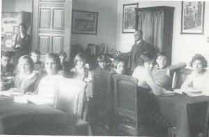 Kinderleeszaal van het Nut in het Koloniaal Instituut Amsterdam