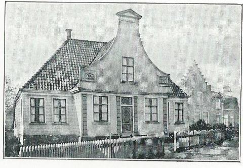 Verzendhuis der Wisselbibliotheken (Reizende Bibliotheken) van het Nut en de Centrale voor openbare bibliotheken in Broek in Waterland (1932).