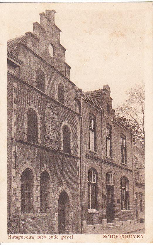 Prentbriefkaart uit circa 1925 van het oude nutsgebouw in Schoonhoven